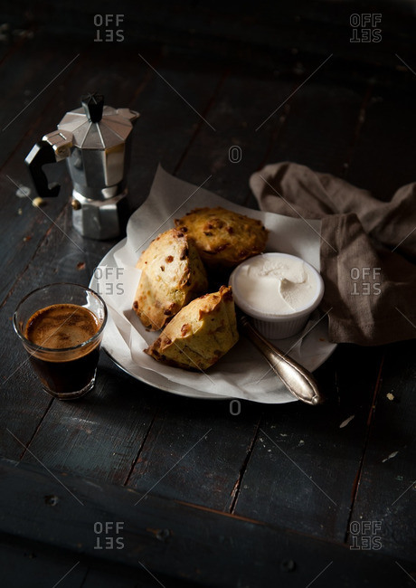 Savory muffins with espresso and cheese spread