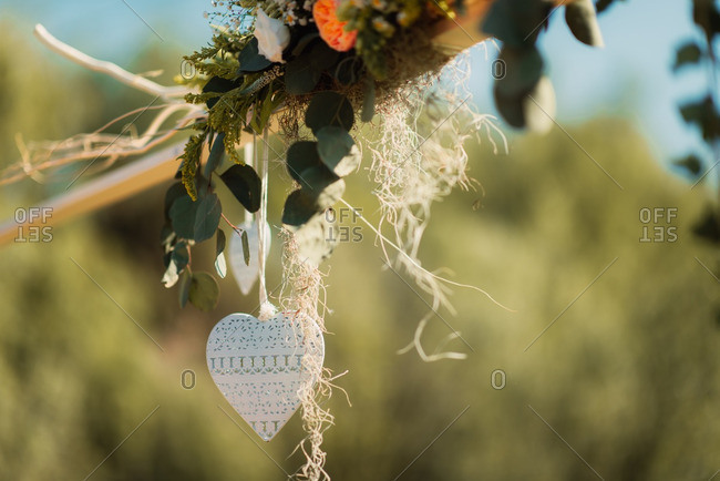 Wedding d_cor with heart and plants