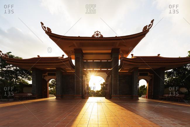Sun shining through the Thien Vien Truc Lam Ho temple