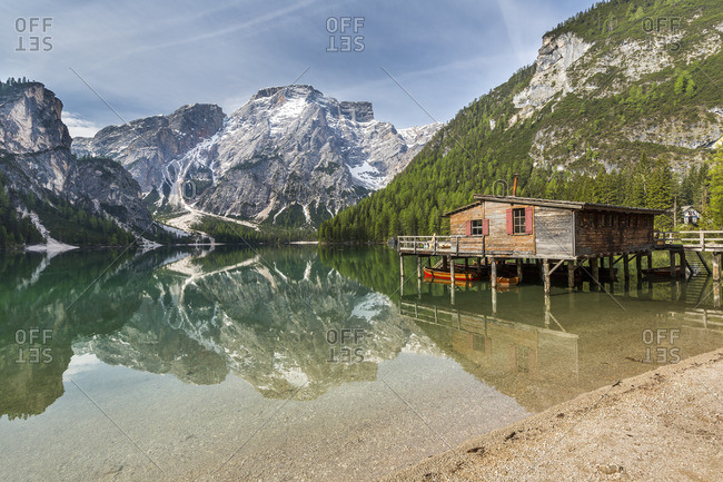 Lake Prags with Seekofel and boathouse