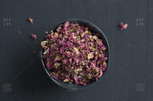 Dried rose cardamom petals