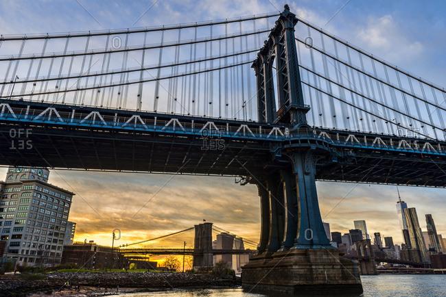 Manhattan and Brooklyn Bridges at sunset, Brooklyn Bridge Park