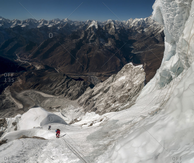 Nepal, Himalaya, Solo Khumbu, mountaineers at Ama Dablam South West Ridge
