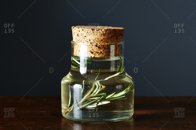 Simple syrup with rosemary - Offset