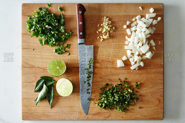 Chopping various raw ingredients
