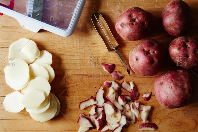 Peeling and slicing potatoes