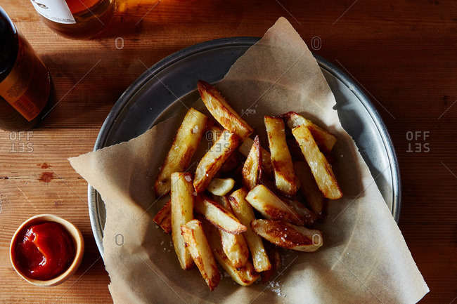 Baked fries with ketchup
