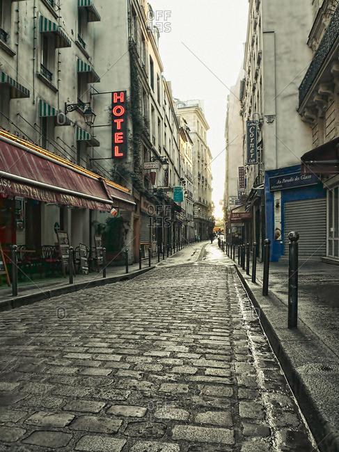 October 24, 2007: A quiet Parisian street