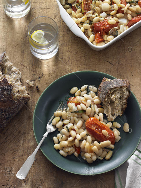 Tuscan beans served with crusty bread