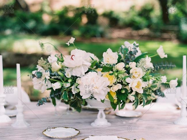 Floral centerpiece for wedding dinner