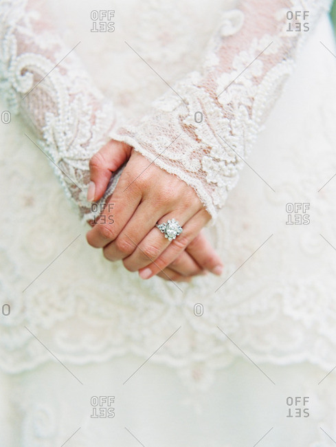 Bride with lace sleeves