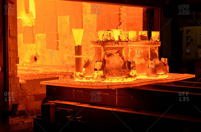 Heat treating metal castings in foundry