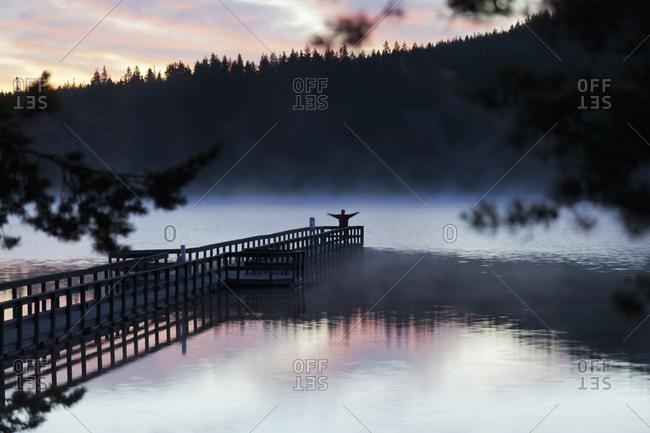 Sweden, Dalarna, Orsa Finnmark, Lake Tallsjon at sunset