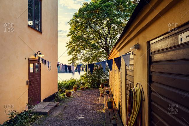 Sweden, Stockholm, Sodermalm, Skinnarviksparken, Skinnarviksberget, Building exterior in evening light