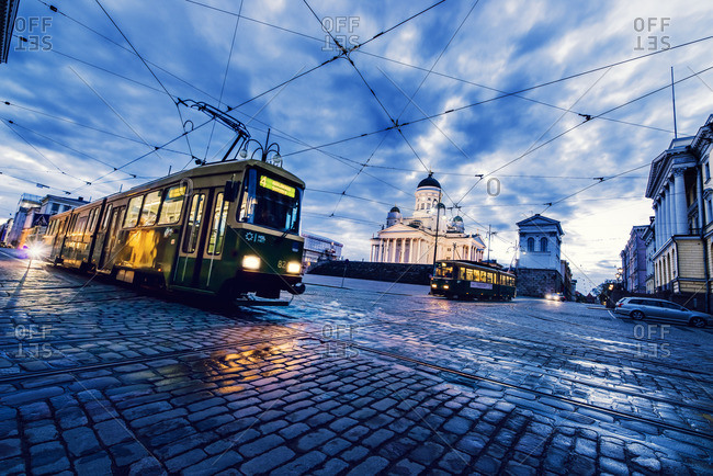 Finland, Helsinki, Kronohagen, Cable cars at night