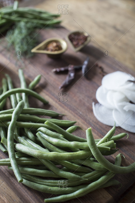 Green beans and various ingredients
