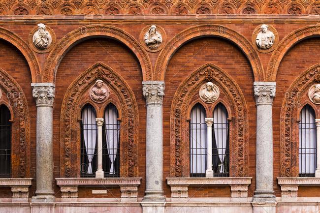 Ornate facade in Milan - Offset