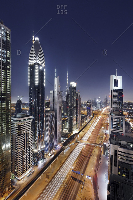 Night view of downtown Dubai skyline