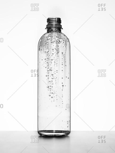 Empty plastic water bottle - Offset