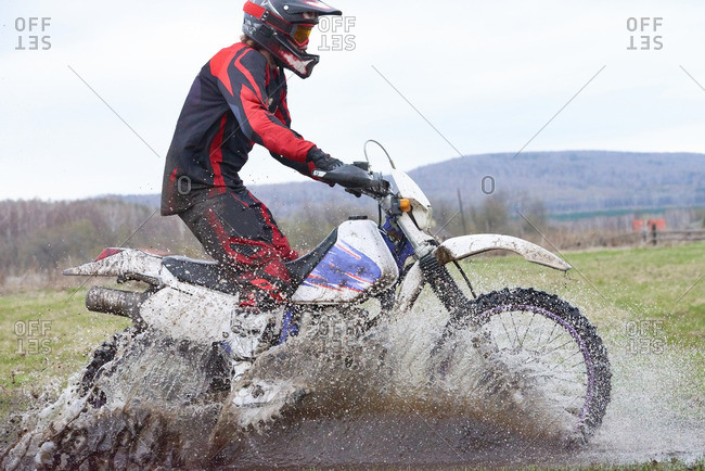 Extreme racing in rural area