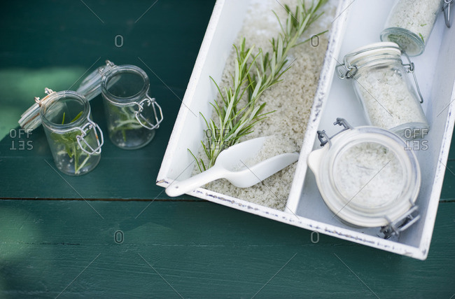 Storage of sea salt and rosemary