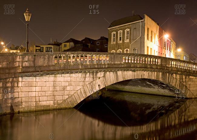 Parliament street bridge and lee river cork