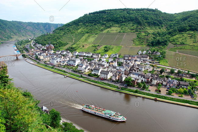 A tour boat on the Rhine