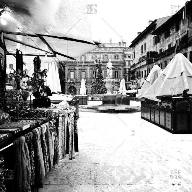 Piazza delle Erbe during a Christmas snowstorm
