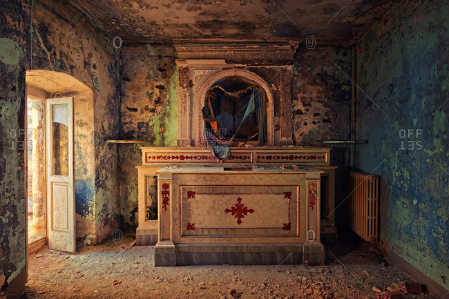 Room in an abandoned church