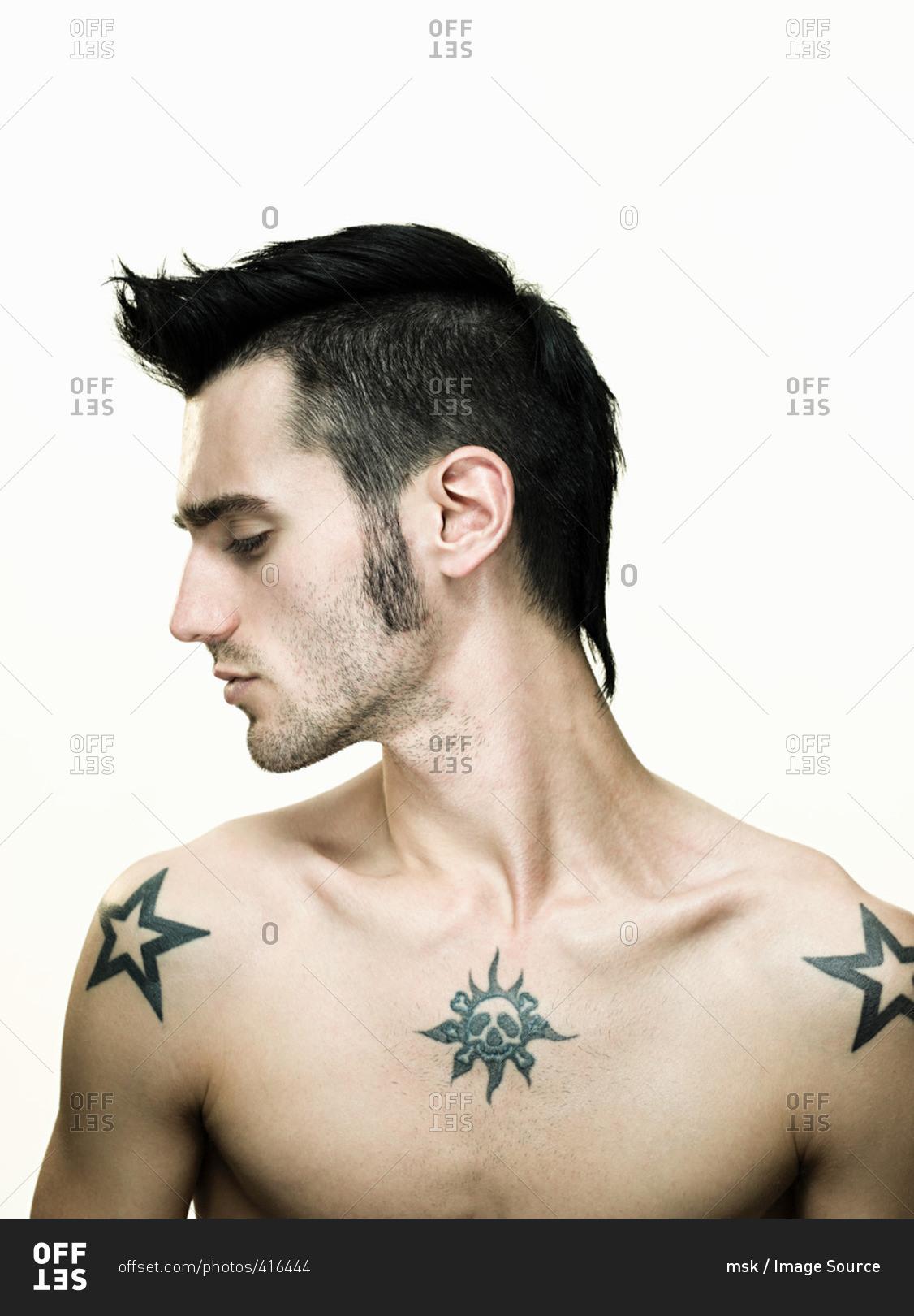 Звезда на плечах тату значение тюремные