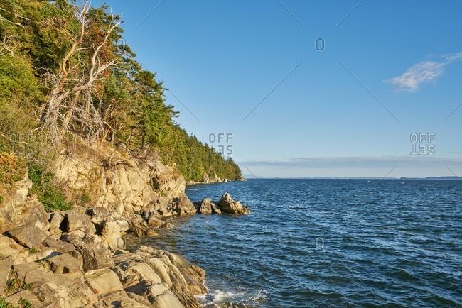 Cliffs along shoreline, Washington