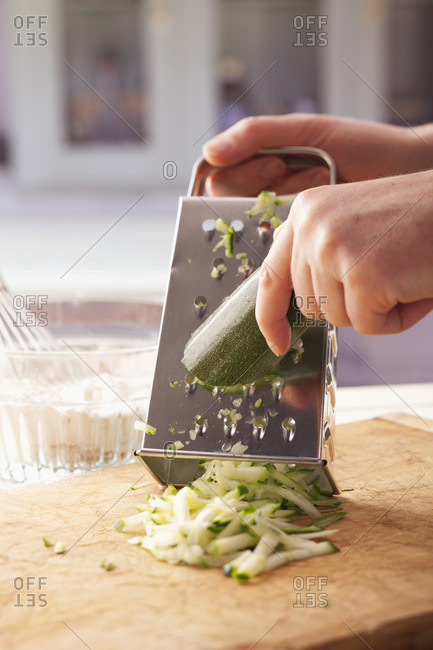 Grating courgette coarsely