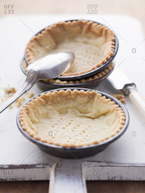Pastry in tartlet dishes