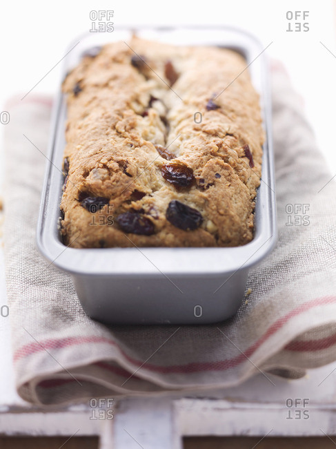 A cranberry and raisin cake