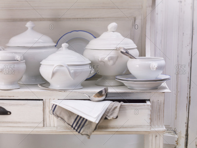 Soup tureens with lids