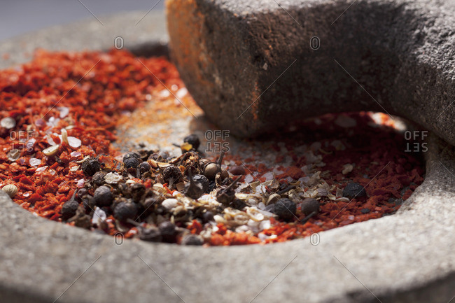 Spices for a spice mixture in a stone mortar