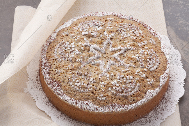 Chocolate and nut cake - Offset