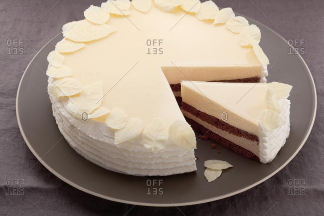 Layer cake with zabaglione