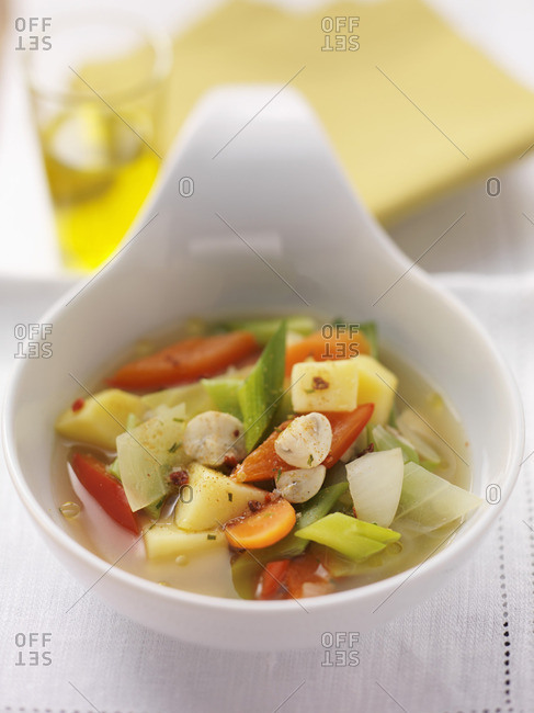 Vegetable stew with garlic