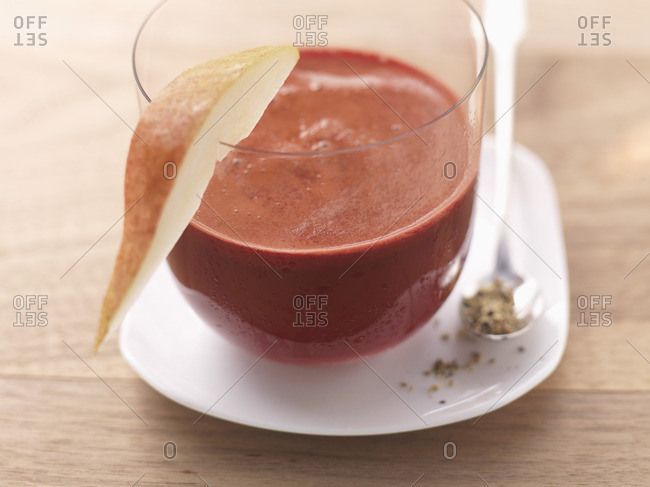 Beetroot and pear drink