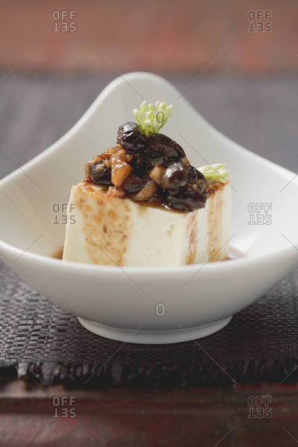 Marinated tofu with black beans