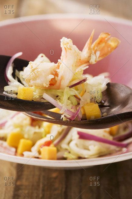 White cabbage salad with mango and ginger