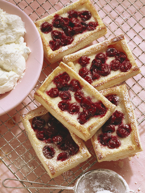 Cherry tartlet with marzipan