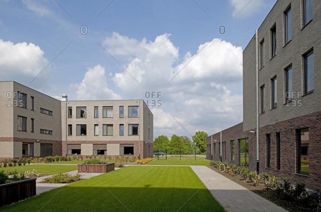 5/4/09: Buildings surrounding a grassy quad
