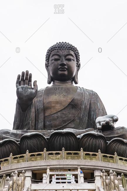 Giant bronze Tian Tan Buddha statue