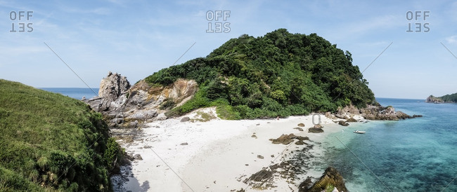 Panoramic view of a rubber dinghy from sail boat landing at isolated Kyun Phi Lar Island