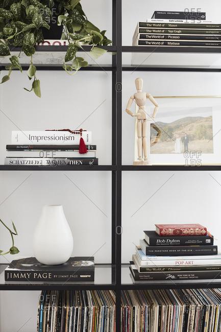 July 29, 2016: Bookshelf area and d�cor