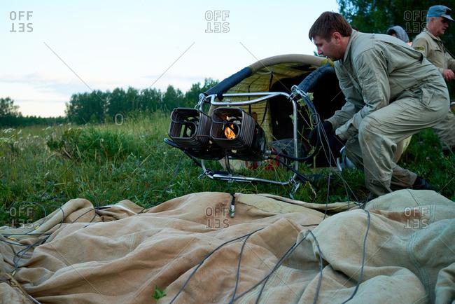 Hot air balloon crew preparing aircraft