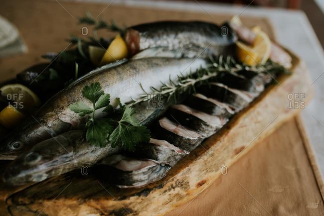 Raw fish with rosemary and lemon