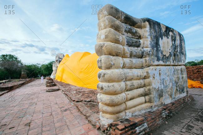 Phra Noon Reclining Buddha at Wat Lokayasutharam, Ayutthaya, Thailand, Southeast Asia, Asia